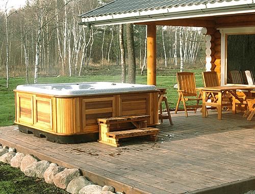 arctic-spas-hot-tub-on-open-patio1